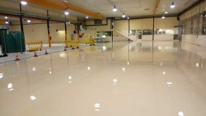 Pavimentos de poliuretano cemento para industria